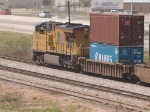 UP 7624 rear DPU in an EB doublestack ILBNS - Long Beach to Memphis - at 1:10pm