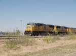 UP 5100 leads a WB manifest MFWWC (Ft Worth - West Colton) at 4:10pm