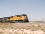 UP 4685 leads an EB doublestack ZLCAI - LA - Shreveport - at 12:18pm