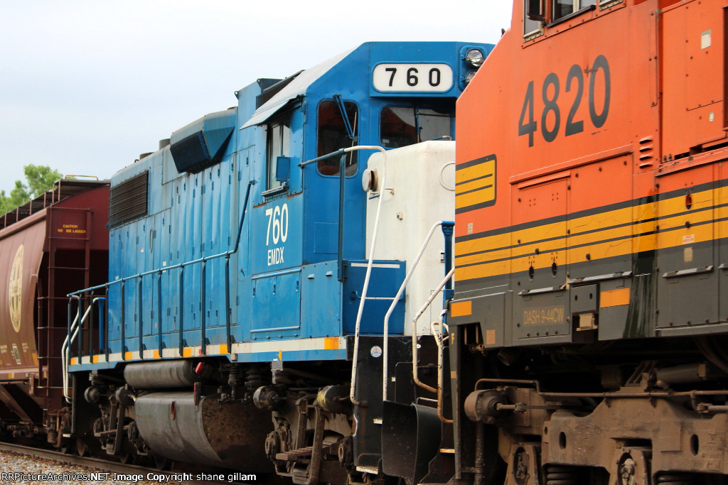 BNSF 4820 and emdx 760 are 2nd and 3rd on this freight.