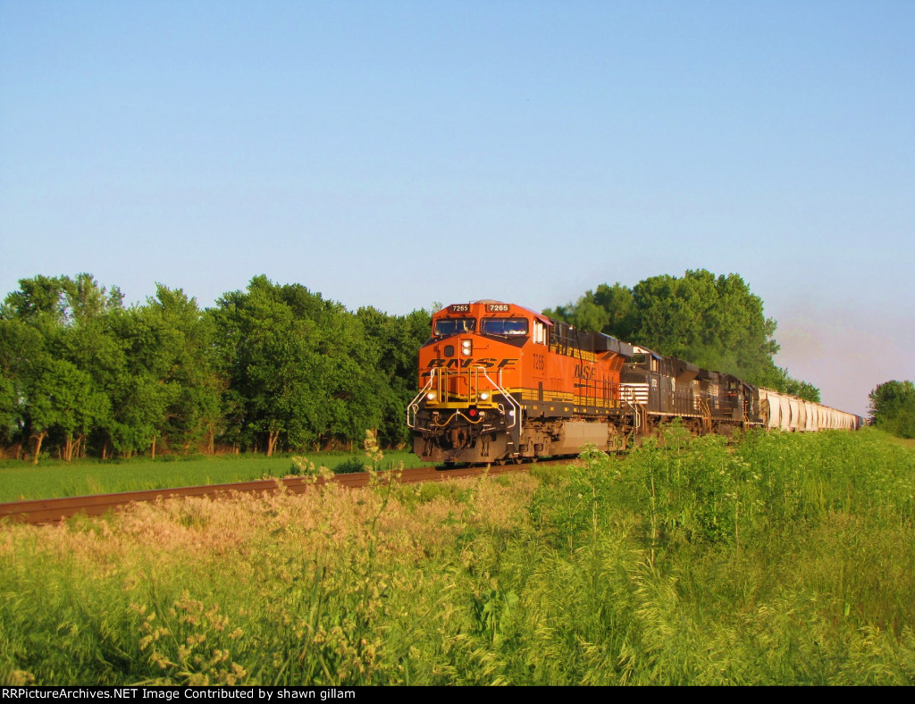 BNSF 7265 heads up the k line.