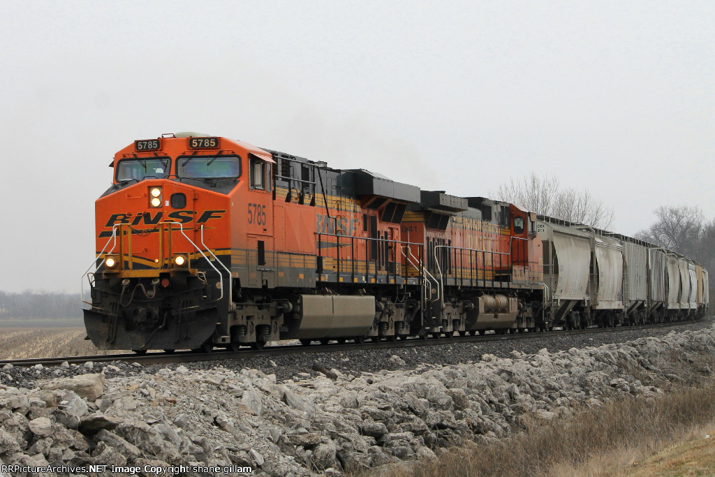 BNSF 5785 leads this nb mixed freight at old monroe.