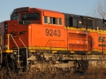 bnsf 9243 sitting 2nd in the line of 4 units,