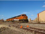 BNSF 7201 with a nice warm day