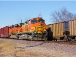 BNSF 4850 leads this freight sb,