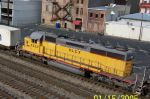 Closeup of HLCX on CSX train 184