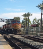 BNSF #4358 coming into Fullerton at low speeds