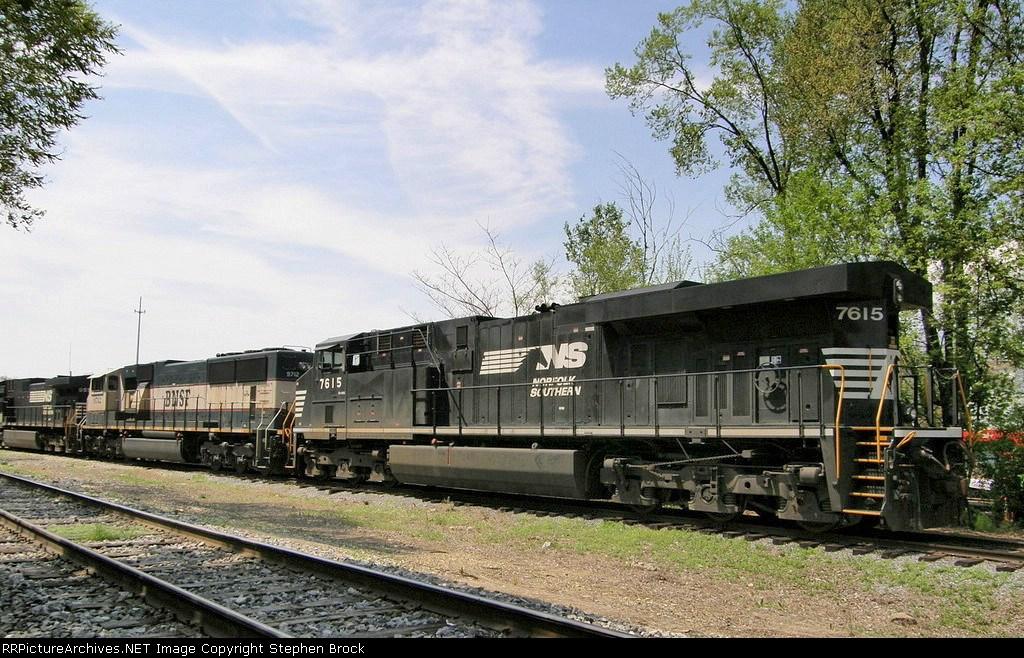 NS 7615 & BNSF 9712
