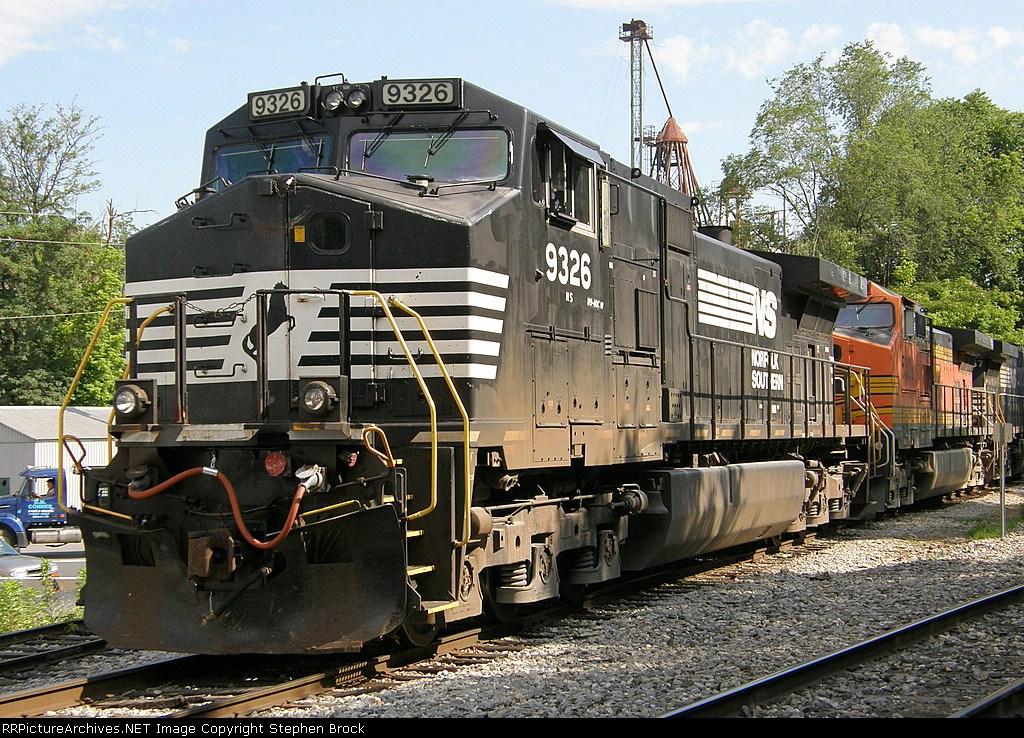 NS 9326 & BNSF 5309
