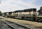 BNSF 9712 & NS 9555