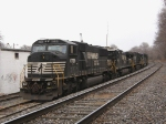 NS 6799 & the GE Evolution leading to the C40-9W behind her