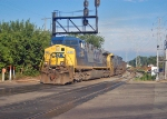 CSX 401 leads N305 at hermitage road