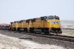 South bound manifest train on Mesa siding main