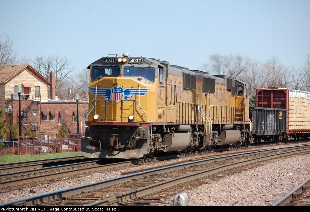 UP 4037 & 4002