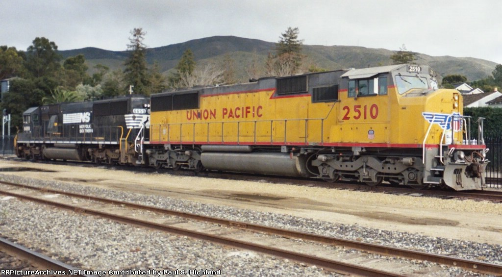 UP 2510 and NS 6659