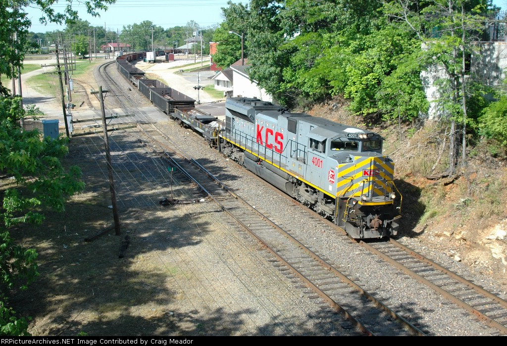 KCS 4001 North On the De Soto Sub
