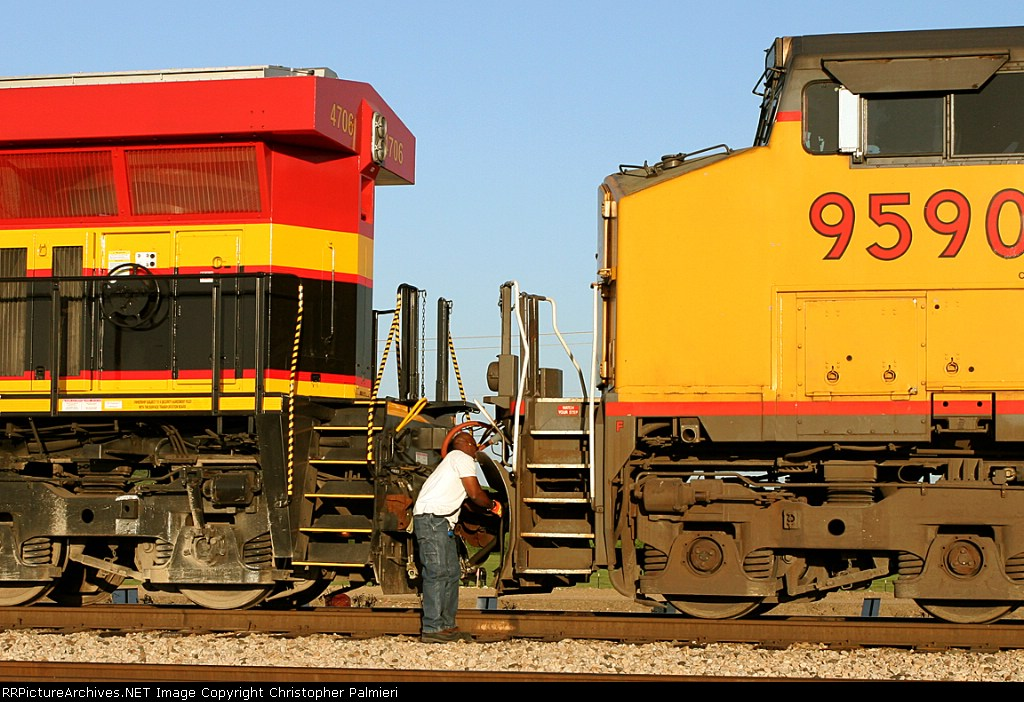 KCS 4706 and UP 9590