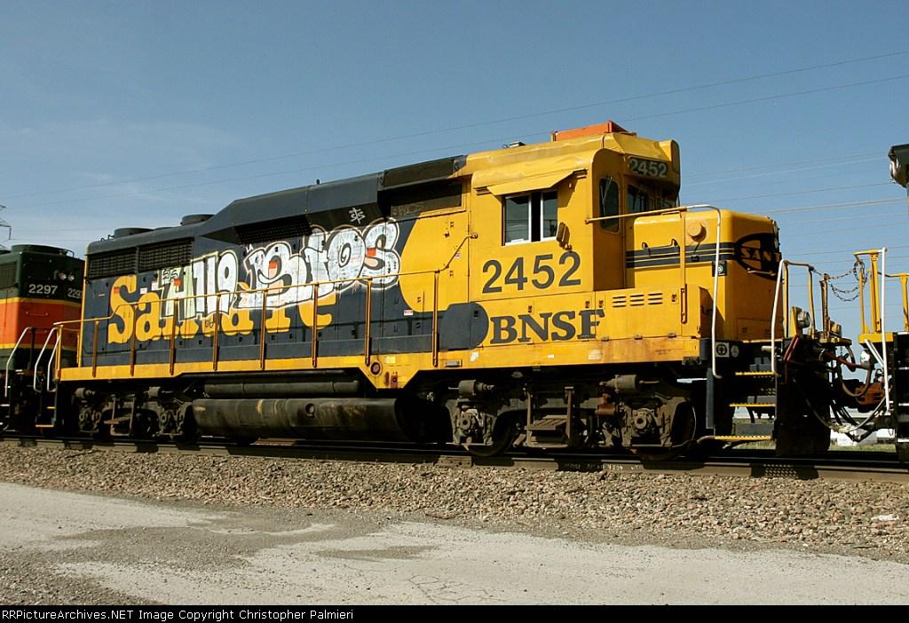 BNSF 2452