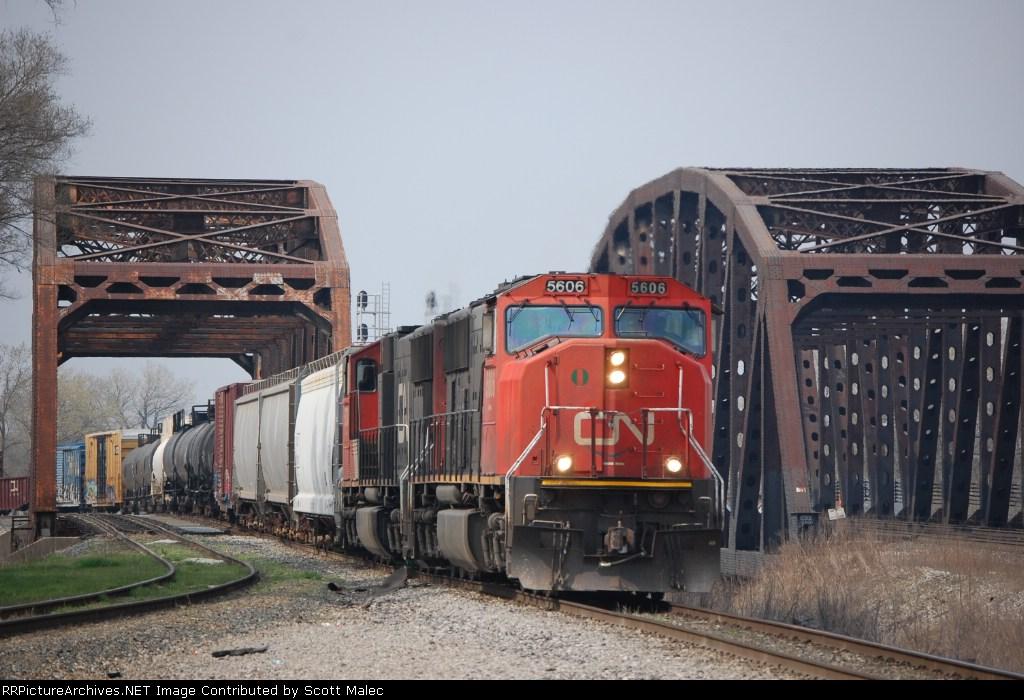 CN 5606 & 5730