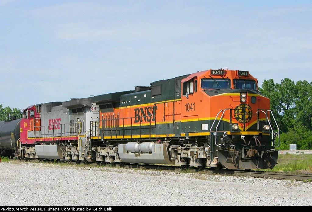BNSF 1041
