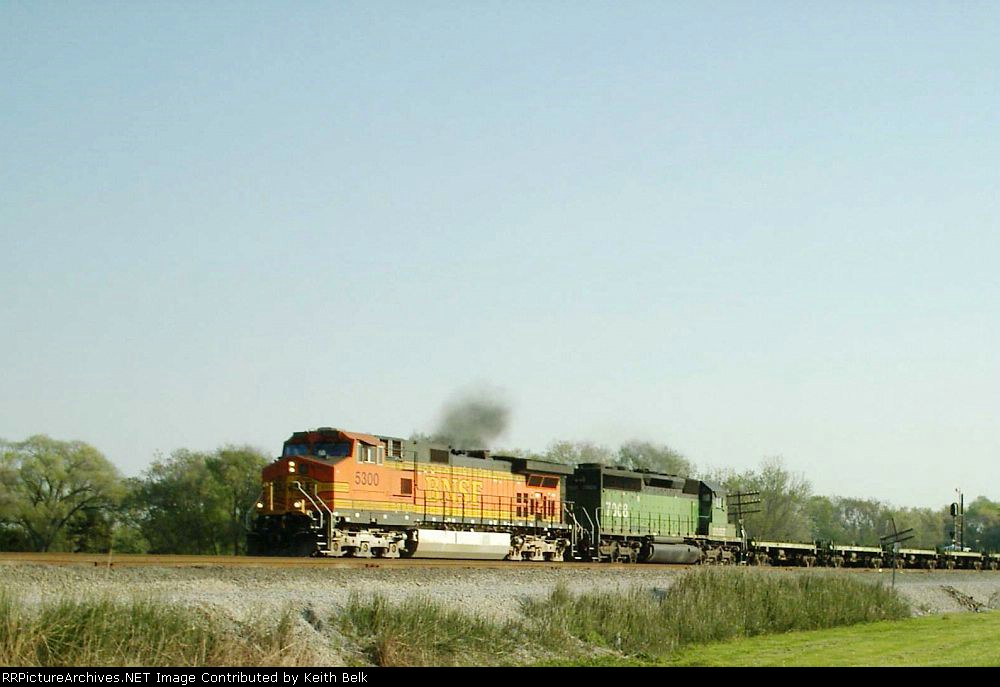 BNSF 5300 and 7008