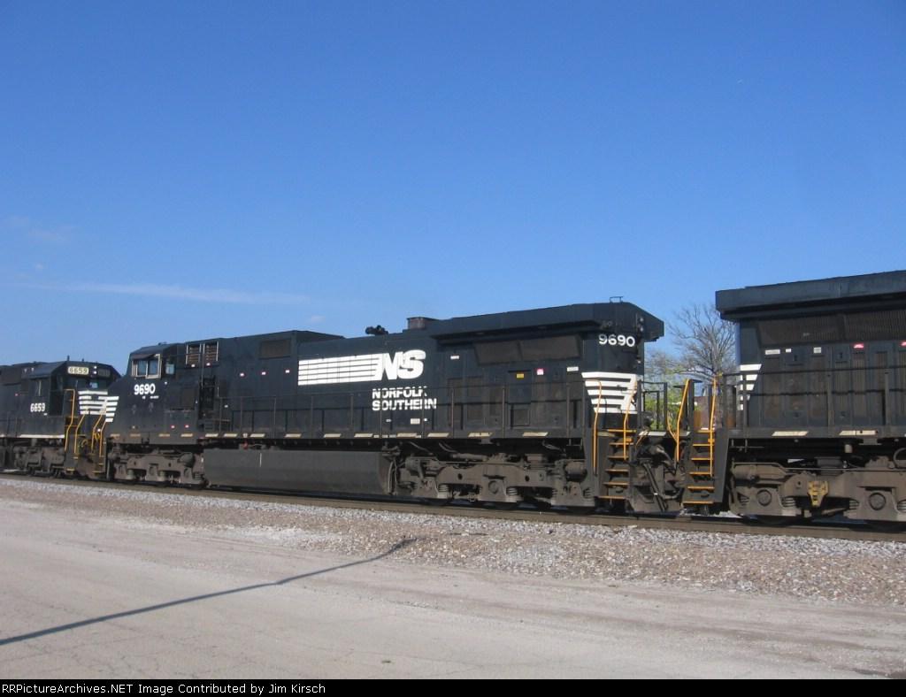 NS 9690