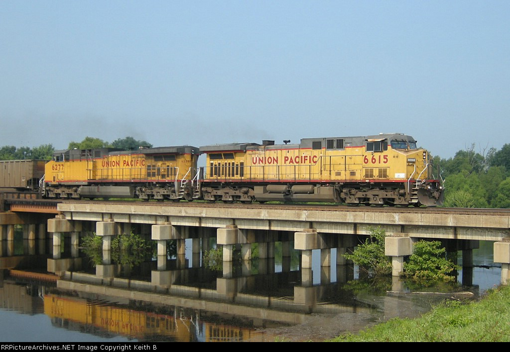 UP 6615 and 6277