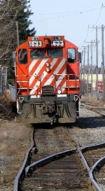 CP 1633. Note the jog in the rail ahead of the unit.