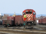 CP 5983 pulls through e yard