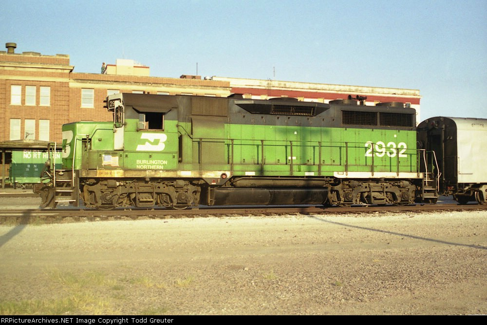 BN 2932