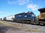 HLCX 6302 is Part of a Union Pacific Lash-up