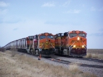BNSF 6065 Passes BNSF 5284 With a Hot Freight Consist