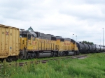 UP 816 & UP 819 Bang Heads with Some Freight on an Industrail Spur
