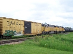UP 816 & UP 819 Move Freight on an Industrail Spur