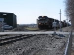 NS 9505 at crossing