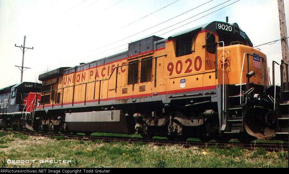 UP 9020 - ex-MP power on the old MP line
