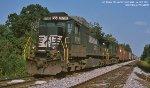 NS C40-9 8781 on No. 393
