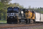 NS 9317 & UP 7665, these bad boys were looking good accelerating out of the UP Yard