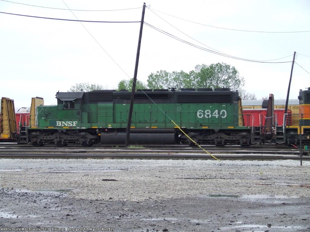 BNSF 6840