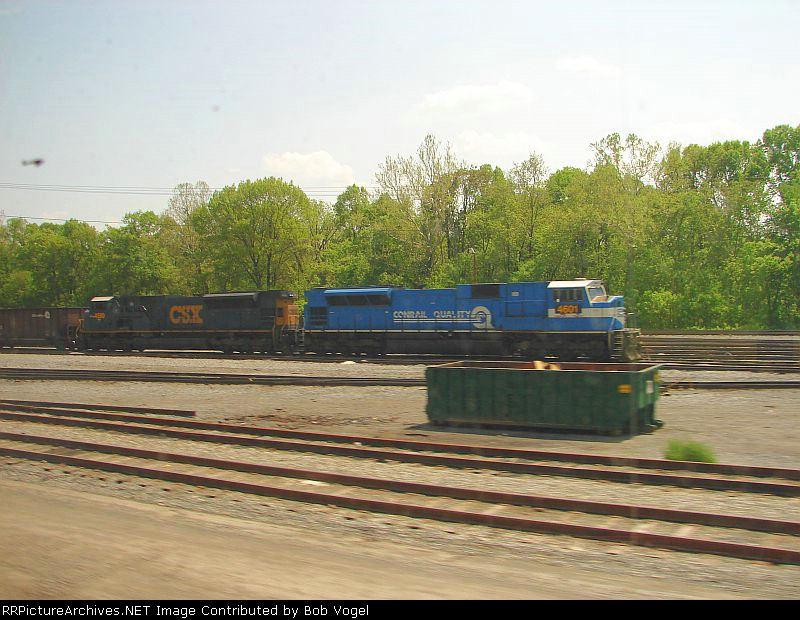 CSX 4590 and 4601