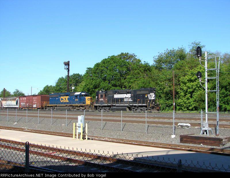 NS 5221 and CSX 8110