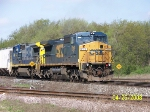 CSX 7318 leads eastbound