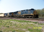 CSX 5495 leads eastbound