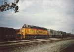 CSX 8404 leading a U30C and a C&O 200 ton crane and tender