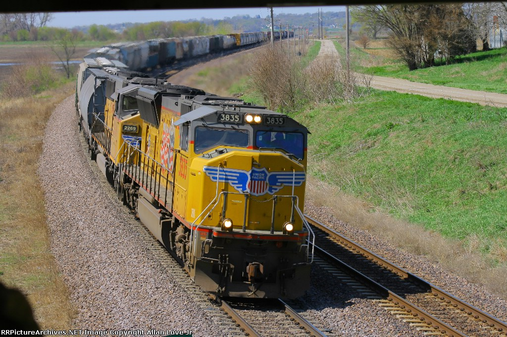 UP 3835 east