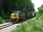 CSX 655 throttles up as it leads Q326 east