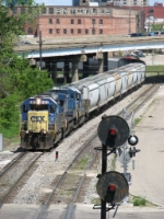 CSX 8462 leads Q326-18 away from US-131