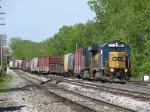 CSX 8833 leads Q326-24 into the yard