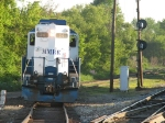 24 heads onto NS trackage