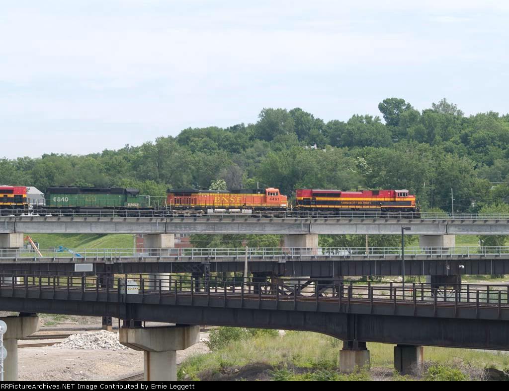 KCS 3997 leads multicolor power in an EB grain train at 11:13am